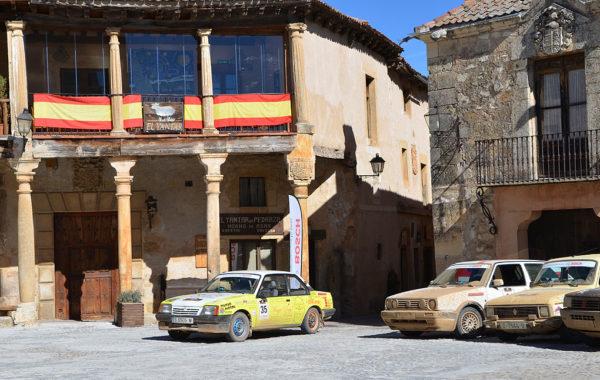 Opel Ascona en un reagrupamiento